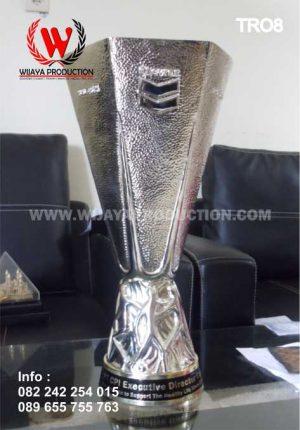 Piala Bergilir Untuk Event Olahraga