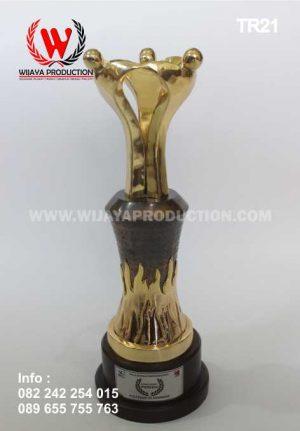 Contoh Piala Custom Murah