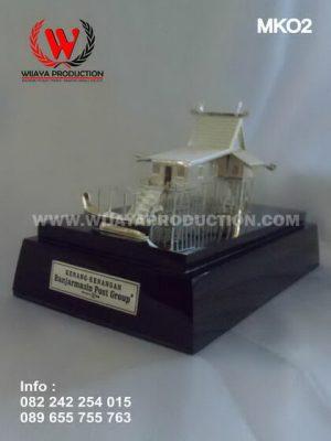 Miniatur Rumah Banjar