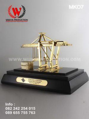 Minatur Crane PT Pelindo