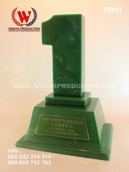 Plakat Penghargaan Material Resin Solid
