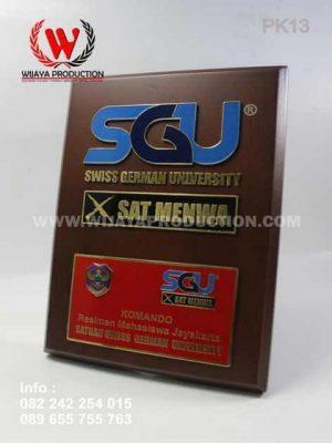 Contoh Plakat Kayu SGU