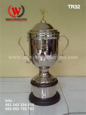 Piala Bergilir Golf Eksklusif