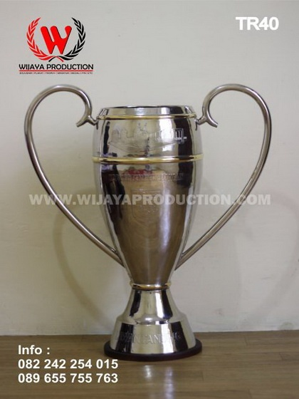 Custom Piala Sepak Bola