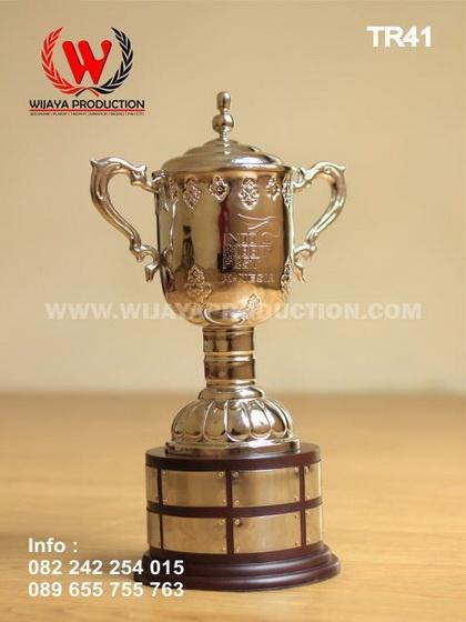 Custom Trophy Bergilir Untuk Kompetisi