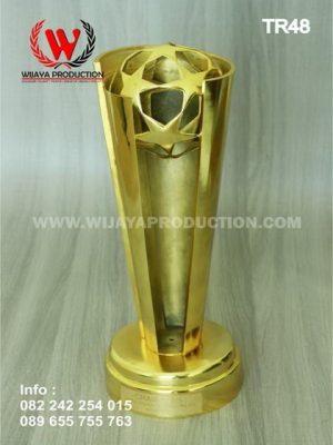 Piala Trophy Material Logam