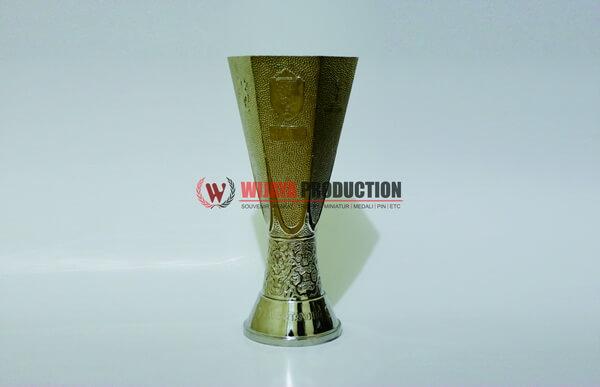 Jenis Piala Sepak Bola yang Ada dalam Turnamen