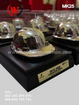 Souvenir Helm Tambang PGN