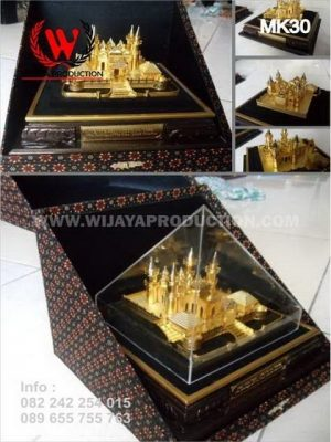 Souvenir Miniatur Masjid Raya Sultan Riau